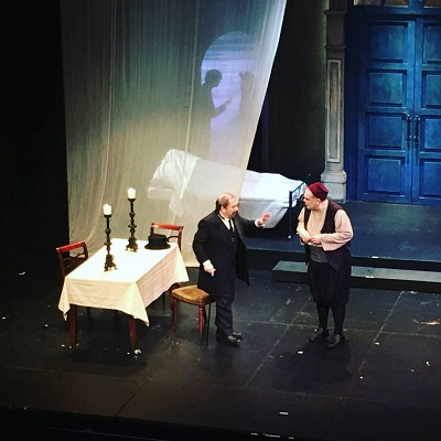 """""""Ο Συμβολαιογράφος"""" μια μοντέρνα παράσταση....κλασσικού θεάτρου που πρέπει να παρακολουθήσεις"""