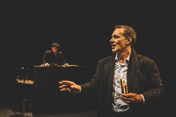 """""""Ο Αμερικάνος"""" εμ τον Θανάση Σαράντο. 2 extra παραστάσεις τις Τρίτες 21 και 28 Ιανουαρίου"""