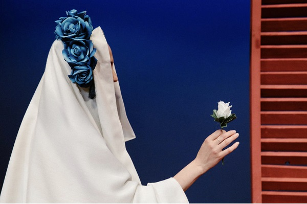 """""""Τριαντάφυλλο στο στήθος"""" στο θέατρο Τέχνης Προσθήκη 3 ακόμη παραστάσεων λόγω επιτυχίας"""