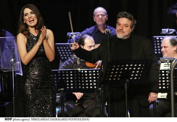 Δημήτρης Παπαδημητρίου - Βερόνικα Δαβάκη: Συναυλία για πιάνο και φωνή στο διαδίκτυο τη Μεγάλη Πέμπτη