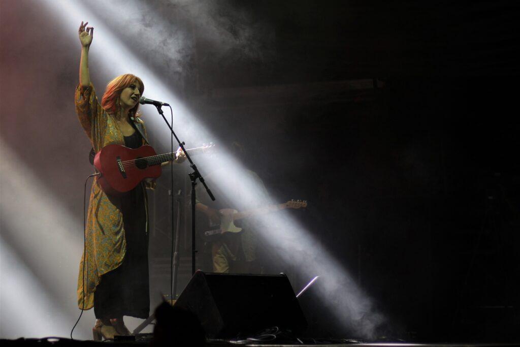 (Τεχνόπολη 2020): Μαρία Παπαγεωργίου - Θέλουμε να είσαι η μουσική που ξαγρυπνάει μαζί μας.    Γράφει ο Ντίνος Γεωργακόπουλος