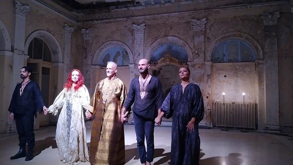"""""""Μήδεια, μια παράσταση χωρίς επιστροφή"""" γράφει η Κωνσταντίνα Κούτσικου"""