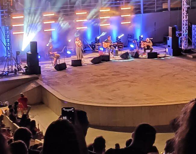 """""""Σωκράτης Μάλαμας στο Βεάκειο, ταξίδι μουσικό κάτω από τον έναστρο ουρανό του Πειραιά"""" γράφει ο Rafiq Abdeen"""