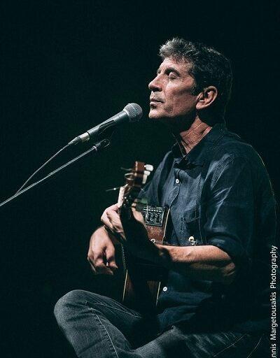 Σωκράτης Μάλαμας άλλο ένα acoustic live στο Βεάκειο θέατρο Πειραιά την Πέμπτη 10 Σεπτεμβρίου