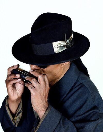 Δύο νέα τραγούδια του Stevie Wonder κυκλοφορεί ταυτόχρονα η MINOS-EMI / Universal