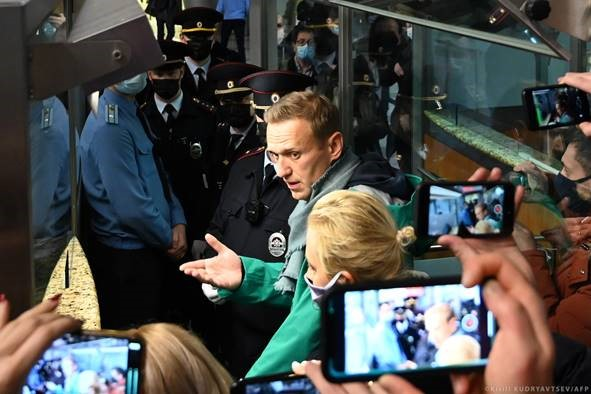 Navalny: το ΕΚ ζητά σημαντικά αυστηρότερες κυρώσεις κατά της Ρωσίας