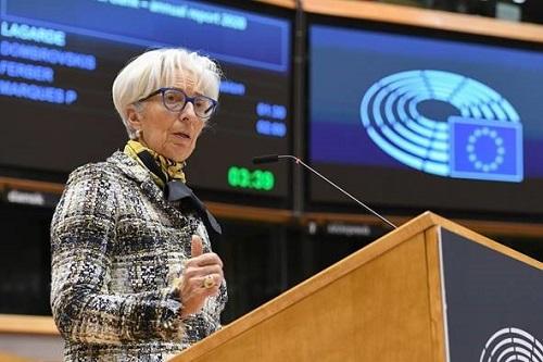 Οι ευρωβουλευτές καλούν την ΕΚΤ να προετοιμαστεί για τις επικείμενες οικονομικές δυσκολίες